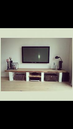 I like dis. Tv Furniture, Diy Furniture Projects, Home Projects, Snug Room, Home And Living, Living Room, White Rooms, Home Design Plans, Room Inspiration