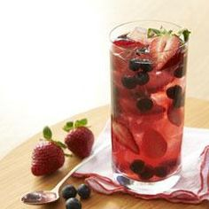 Berried Green Iced Tea with Pomegranate  http://www.liptontea.com/recipes/detail/43622/1/berried-green-iced-tea-with-pomegranate