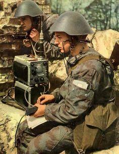 Des transmetteurs de la Nationale Volksarmee.