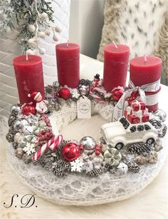 Simple And Popular Christmas Decorations, Table Decorations, Christmas Candles, DIY Christmas Centerpiece, Christmas Cra Christmas Advent Wreath, Diy Christmas Decorations For Home, Christmas Candles, Christmas Centerpieces, Winter Christmas, Christmas Crafts, Holiday Decor, Diy Advent Wreath, Christmas Fashion