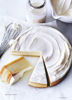 classic lemon cheesecake – Donna Hay (I need to eat this now! Lemon Cheesecake, Cheesecake Recipes, Dessert Recipes, Classic Cheesecake, Simple Cheesecake, Homemade Cheesecake, Dessert Healthy, Pie Dessert, Drink Recipes