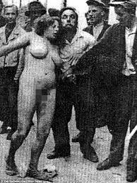 Eine deutsche Frau wird von tschechischen Untermenschen gefoltert