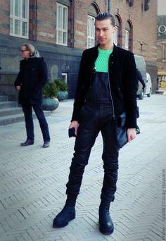 #Copenhagen #streetstyle #menswear #MONOBI Hipster Man, Copenhagen, Runway, Menswear, Punk, Mens Fashion, Cat Walk, Moda Masculina, Walkway