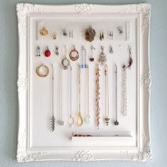 10 pretty ways to build your own DIY necklace display holder for home.