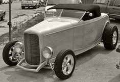 Classic 32 hi boy Hot Rod Trucks, Cool Trucks, Big Trucks, Classic Hot Rod, Classic Cars, Ford 32, Hot Rods, Hot Rod Autos, Tanzania