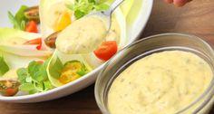 Megtaláltad a tökéletes Caesar salátaöntet receptet! Mert néha az eredeti a legjobb, minden változtatás nélkül! ;) Persze nem csak Caesar salátára teheted! Ez a klasszikus öntet bármilyen salátával mennyeien finom lesz! ;)