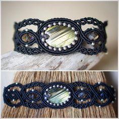 Macrame bracelet with shining labradorite #svitoe #macrame #micromacrame #handmade #jewelry #bijoux #boho #bohemian #beauty #ethnic #макраме #украшения #ручнаяработа #bracelet #black #natural #stone #labradorite #glass #beads