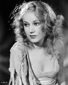 Fay Wray in King Kong (Ernest B. Shoedsack et Merian C. Golden Age Of Hollywood, Vintage Hollywood, Hollywood Glamour, Hollywood Actresses, Classic Hollywood, Actors & Actresses, Classic Actresses, Hollywood Stars, King Kong 1933