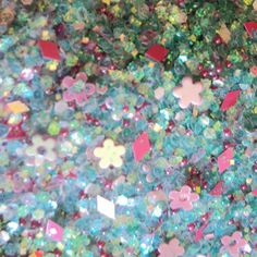 Amazon.com: Custom & Fancy Approx 0.5 Teaspoon of Small Nail Art Glitter Confetti Made of Premium Mylar w/ Cute Retro Summer Tone Flower Shapes & Chunky Iridescent Shimmer Dust Mix Design [Blue, Green & Pink: Toys & Games