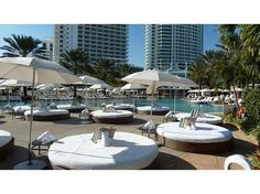 Hung out on these at the pool at the Fountainbleau Miami.