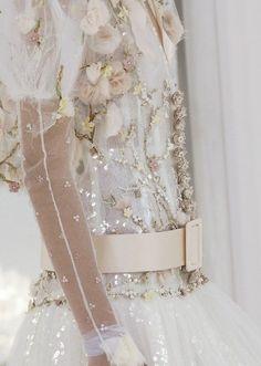 wink-smile-pout:    Chanel Haute Couture Spring 2006 Details