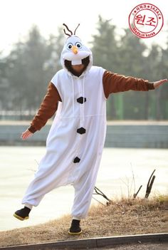 2014 Frozen Olaf Halloween costume for adults that anyone can wear #Halloween