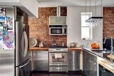 Unique New York House's Drastic Transformation 3 Home, Dining Room Design, Kitchen Dining Room, New York Homes, Kitchen, Kitchen Interior, Brick Kitchen, Exposed Brick Kitchen, Modern Dining Room