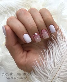 48 Cute And Lively Pink Solid Color Bride Nails Suitable For Any Place - Page 41 Of 48 - Hertsy Wedding - Page 2 of 31 - Amanda Castillo Cute Gel Nails, Cute Acrylic Nails, Diy Nails, Pretty Nails, Gradient Nails, Gold Nails, Gel Manicure, Pretty Short Nails, Sparkle Nails