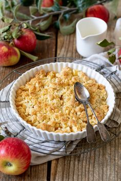 Apfel Crumble - Apple Crumble - Rezept - Sweets & Lifestyle® Apple Crumble Recipe - Apple Crumble, easy and quick to make and very tasty. The apple crumble tastes with vanilla sauce or a scoop o Apple Recipes, Fall Recipes, Vanilla Sauce, Vegetarian Recipes, Healthy Recipes, Mexican Recipes, Italian Recipes, Yummy Recipes, Keto Recipes