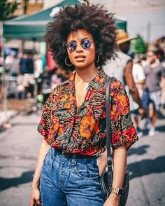 beautiful ideas for african fashion pieces - - Mode - vintage Kinky Curly Hair, Curly Hair Styles, Natural Hair Styles, Curly Ponytail, Mode Outfits, Fashion Outfits, Fashion Clothes, Converse Fashion, Fashion Ideas