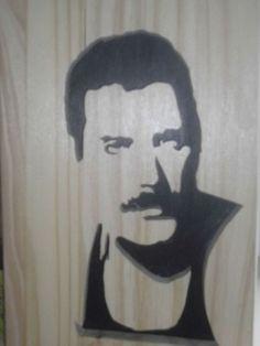 FREDDY MERCURY (chanteur des queens) Star Silhouette, Stencil Art, Scroll Saw, Freddie Mercury, Pyrography, Decoration, Art Sketches, Famous People, Woodworking