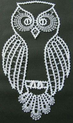 Risultati immagini per bobbin lace owl paper Bobbin Lace Patterns, Crochet Patterns, Irish Crochet, Crochet Lace, Lace Tape, Bruges Lace, Lacemaking, Point Lace, Tatting Lace
