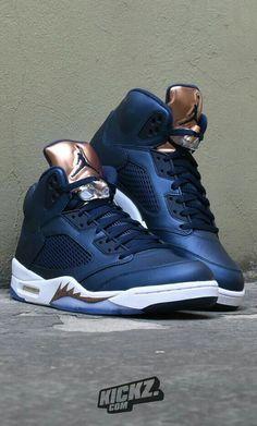 """Air Jordan 5 """"Bronze"""" é uma  edição olímpica do Air Jordan 5, que foi lançado em 2016 para os jogos olímpicos no Rio. Este Air Jordan foi inspirado na medalha de bronze.  #Air #Jordan #Nike #Sneakers #Shoe"""