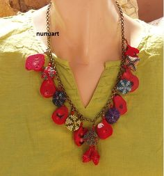Corals and beaded beads gorgeoes necklace