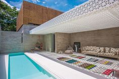 TOP 3 SPAS IN SÃO PAULO: Looking for a great place to relax? No need to go on a weekend getaway with these spas in the city to help you chill out in style! Spas, Spa In The City, Facade House, Tropical Houses, Decoration, Great Places, Swimming Pools, Building A House, Pergola