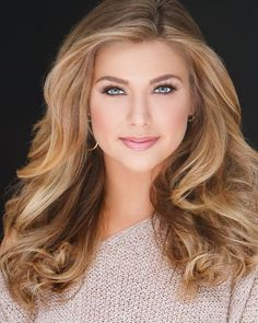 Top Pageant Hairstyles of All Time Edition) Beauté Blonde, Blonde Women, Blonde Beauty, Hair Beauty, Most Beautiful Faces, Beautiful Girl Image, Beautiful Eyes, Gorgeous Women, Beauty Full Girl