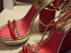 Sandalias estampadas de tacón Dsquard con detalles rojos