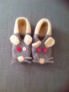 handmade by asselino, soft mice slippers for small feet, material: felt