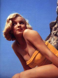 Marilyn Monroe in yellow bikini with the famous red lips