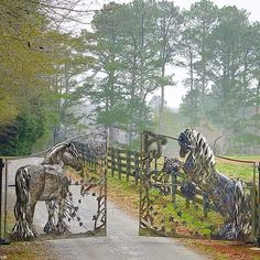 Gate Entrance Front Gates, Entrance Gates, All The Pretty Horses, Beautiful Horses, Horse Barn Designs, Custom Metal Art, Metal Gates, Dream Barn, Ranch Life