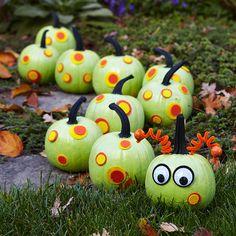 No carve caterpillar pumpkin craft pumpkin halloween crafts crafty kids crafts pumpkins halloween decorations halloween crafts halloween ideas halloween decor halloween decoration kids halloween crafts caterpillar children's halloween crafts crafty halloween ideas