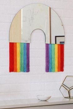 Coup de coeur pour le miroir DOIY Rainbow <3 Un petit miroir arc en ciel avec des franges multicolores pour apporter une touche de gaité à la décoration d'une chambre d'enfant ou d'un salon de coiffure ! Une idée cadeau sympa disponible sur la boutique en ligne de Bonjour Bibiche au rayon déco ! #miroir #arcenciel #doiy #bonjourbibiche #rainbow #doiydesign #décorationmurale #décomurale #decomurale #decorationmurale #décoration #decoration #déco #deco #frange #franges #chambreenfant… Boutique, Mirror, Decoration, How To Make, Furniture, Home Decor, Budget, Wall Mirror, Hobby Lobby Bedroom