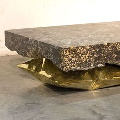 InHale by Ben Storms: a marble block weighing over 200kg carried on an inflated metal cushion.