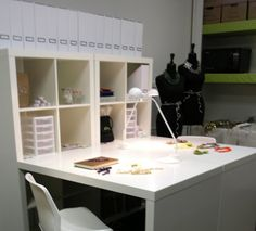 Ikea has this layout for a Hobby roommy ideal CRAFT room