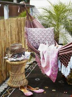 Ideen Sichtschutz für Balkon aus Bambus-Hängematte mit Kopfkissen