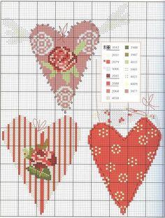 0 point de croix grille et couleurs de fils 3 coeurs