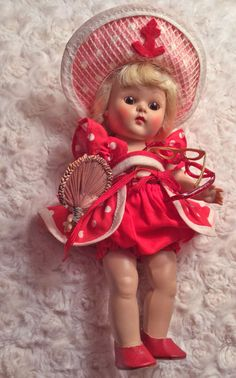 """VINTAGE VOGUE STRUNG GINNY DOLL """"BEACH"""" 1952, Hard to find & WITH her FAN."""