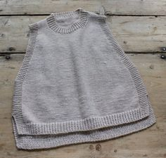 Braut Pullover aus Mohair Mix in Ivory - MailennFree Crochet Boots With Modern Patterns For Baby Boys. Jumper Knitting Pattern, Baby Knitting, Ärmelloser Pullover, How To Start Knitting, Knitted Shawls, Facon, Knitting Designs, Knit Patterns, Knitwear
