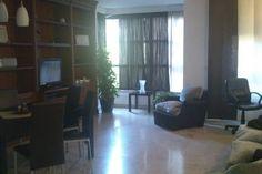 Échale un vistazo a este increíble alojamiento de Airbnb: Habitación en pleno centro Madrid.  - Apartamentos en alquiler en Madrid