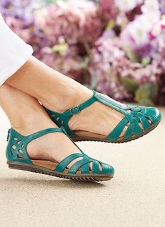 Cobb Hill™ Ireland Fisherman Sandal - Reel in the compliments Opt for comfort and style with this beautifully tailored T-strap sandal. Closed Toe Sandals, T Strap Sandals, Women's Shoes Sandals, Shoe Boots, Girls Sandals, Ankle Boots, Pretty Shoes, Beautiful Shoes, Comfy Shoes