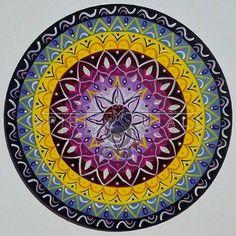 Fa mandala 20cm. Decorative Plates, Mandala, Home Decor, Decoration Home, Room Decor, Home Interior Design, Mandalas, Home Decoration, Interior Design