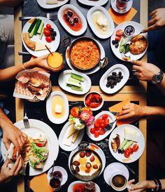 一天中的早餐最重要,在土耳其正是如此看待。 ©sezyilmaz