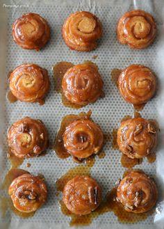 Pourquoi je grossis ... : Orange, cinnamon & pecan sticky buns ! - Spirales briochées caramélisées, orange, cannelle & noix de pécan.