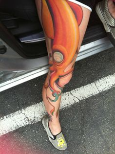 Squid -by Doug Love @ Staircase Tattoo in Santa Cruz, CA I just love colorful tattoos Squid Tattoo, I Tattoo, Pretty Tattoos, Beautiful Tattoos, Awesome Tattoos, Life Tattoos, Body Art Tattoos, Tatoos, Staircase Tattoo