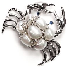 Seaman Schepps white gold crab brooch is bedazzling with baroque South Sea pearls, diamonds and sapphires Pearl Jewelry, Jewelry Art, Antique Jewelry, Fine Jewelry, Jewelry Design, Insect Jewelry, Animal Jewelry, Nautical Jewelry, Pearl Brooch