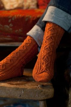 Sin Miedo pattern by Ruth Garcia-Alcantud There's nothing better than some nice warm, comfortable socks to put on during the fall season Orange Socks, Burnt Orange Sweater, Cozy Socks, Fun Socks, Autumn Day, Autumn Leaves, Warm Autumn, Autumn Harvest, Harvest Time