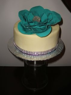 Classy little cake for my beautiful aunt, the flower is also edible