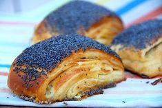 Klik her og se opskriften nu. Danish Dessert, Danish Food, Scandinavian Food, Snack Recipes, Cooking Recipes, Good Food, Yummy Food, Our Daily Bread, Bread Cake
