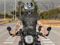 Placeit - T-Shirt Mockup of a Tattooed Man Riding His Motorcycle T Shirt Moto, Biker Shirts, Retro Motorcycle, Motorcycle Helmets, Cowboy Bebop, Shirt Mockup, Jersey Shorts, Mens Tees, Moda Masculina