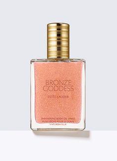 Bronze Goddess, Shimmering Body Oil Spray -    Dieses leicht duftende Body Oil hinterlässt einen schönen Schimmer auf Ihrer Haut. Sprühen Sie es auf und hüllen Sie sich in den verführerischen Duft von Bronze Goddess.         Pflegt Ihre Haut weich und hinterlässt einen leichten Schimmer.